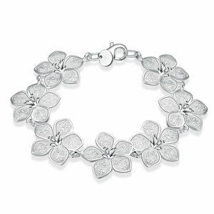 Jewelry - Silver Plated Flower Lobster Clasp Bracelet